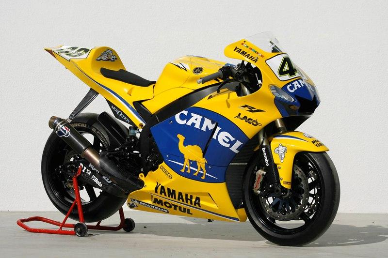 1-0-yamaha-r1-2004-06-m1-replica-camel-15